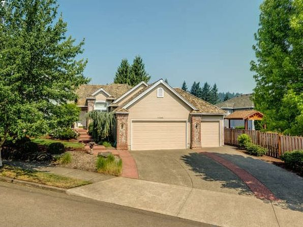 3 bed 2 bath Single Family at 11455 SE Highland Loop Clackamas, OR, 97015 is for sale at 500k - 1 of 32