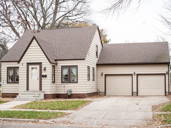 4 bed 2 bath Single Family at 287 N Park Ave Le Center, MN, 56057 is for sale at 138k - 1 of 24