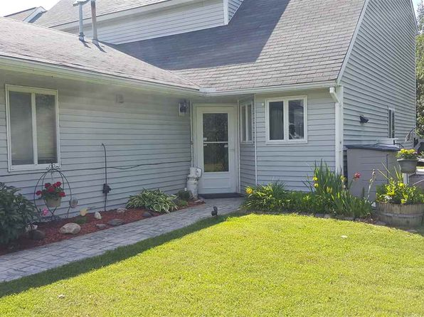 2 bed 3 bath Townhouse at 7 Niven Dr Monticello, NY, 12701 is for sale at 95k - 1 of 4