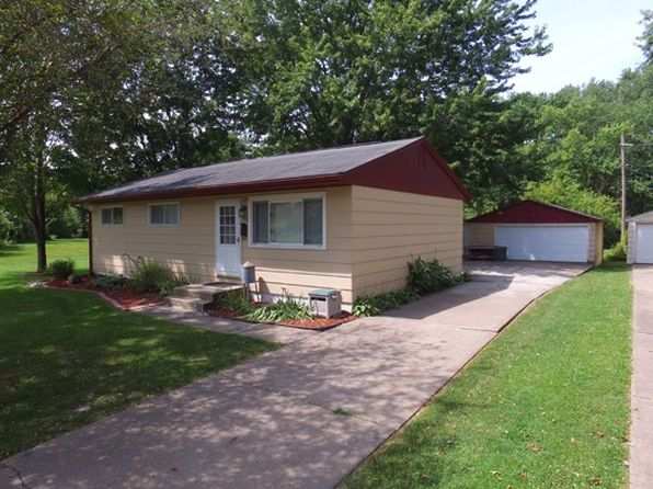 3 bed 1 bath Single Family at 3316 N Pine St Davenport, IA, 52806 is for sale at 115k - 1 of 16