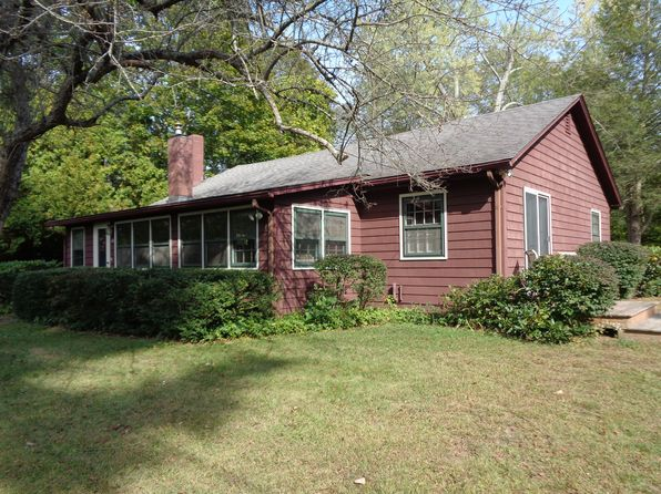 2 bed 1 bath Single Family at 10 Hickory St Lyme, CT, 06371 is for sale at 290k - 1 of 17