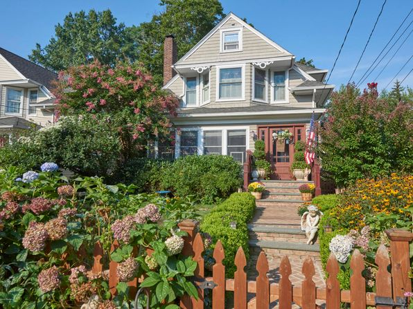 3 bed 3 bath Single Family at 150 Hudson Ave Red Bank, NJ, 07701 is for sale at 626k - 1 of 53