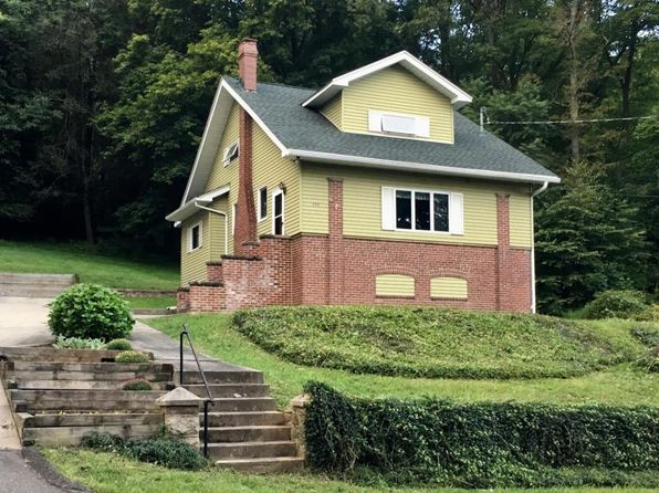 3 bed 1 bath Single Family at 898 Center Ave Jim Thorpe, PA, 18229 is for sale at 135k - 1 of 19