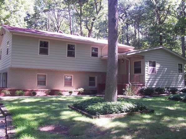 4 bed 2 bath Single Family at 6 Park Ln Marlboro, NJ, 07746 is for sale at 495k - 1 of 31