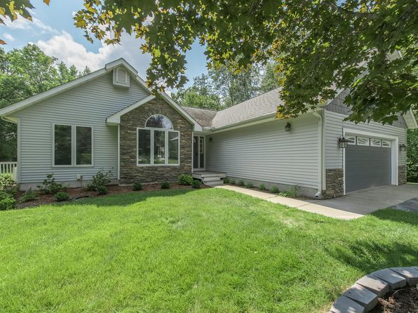 3 bed 3 bath Single Family at 2988 E Oakhaven Ct Midland, MI, 48642 is for sale at 270k - 1 of 25