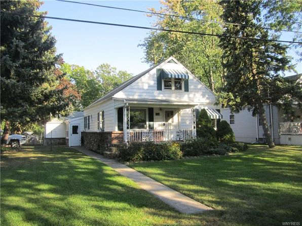 4 bed 1 bath Single Family at 380 Kerr St Lewiston, NY, 14092 is for sale at 160k - 1 of 17