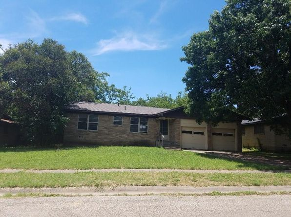 3 bed 1 bath Single Family at 1705 Virginia Pl Cleburne, TX, 76033 is for sale at 60k - 1 of 14