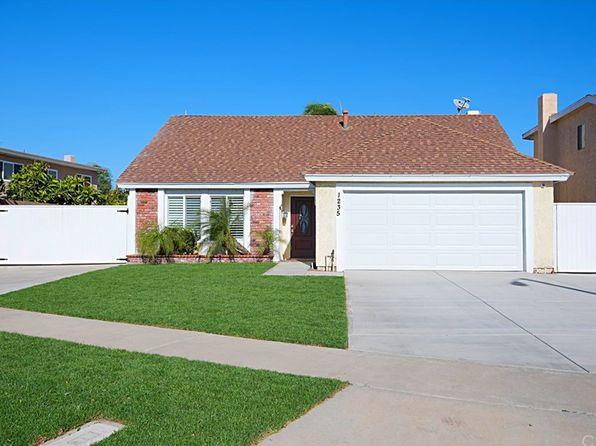 3 bed 3 bath Single Family at 1235 E Martha Ln Santa Ana, CA, 92701 is for sale at 675k - 1 of 14