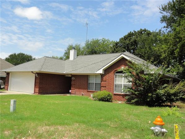 3 bed 2 bath Single Family at 2004 Nottingham Dr Kaufman, TX, 75142 is for sale at 140k - google static map