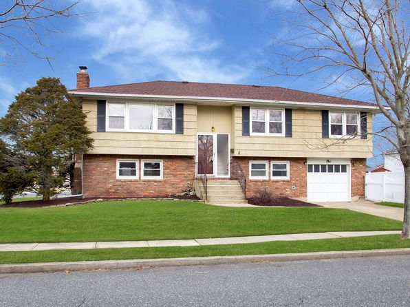 4 bed 3 bath Single Family at 1 Shoreham Rd Massapequa, NY, 11758 is for sale at 575k - 1 of 37