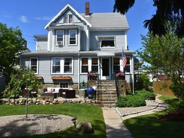 4 bed 2 bath Single Family at 14 Lookout St Gloucester, MA, 01930 is for sale at 460k - 1 of 26