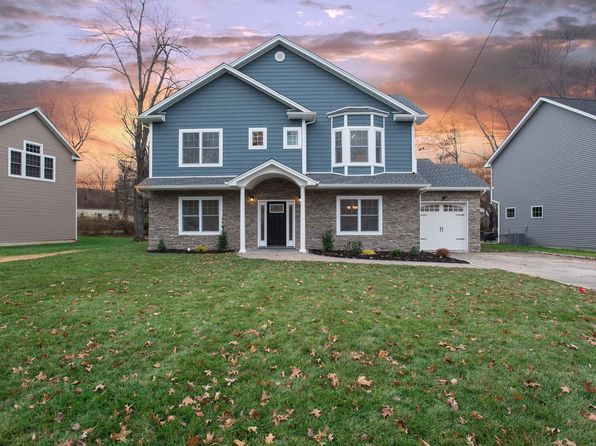4 bed 3 bath Single Family at 5 Deerfield Rd Livingston, NJ, 07039 is for sale at 887k - 1 of 35