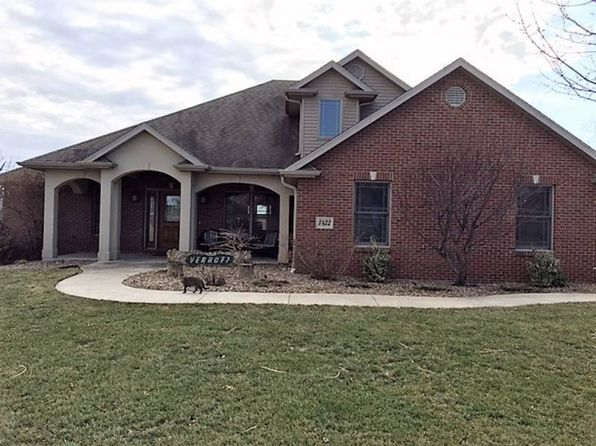3 bed 4 bath Single Family at 1422 Grandvalley Dr Wardsville, MO, 65101 is for sale at 350k - 1 of 8