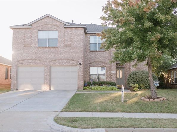3 bed 3 bath Single Family at 10702 AUGUSTA LN ROWLETT, TX, 75089 is for sale at 245k - 1 of 21