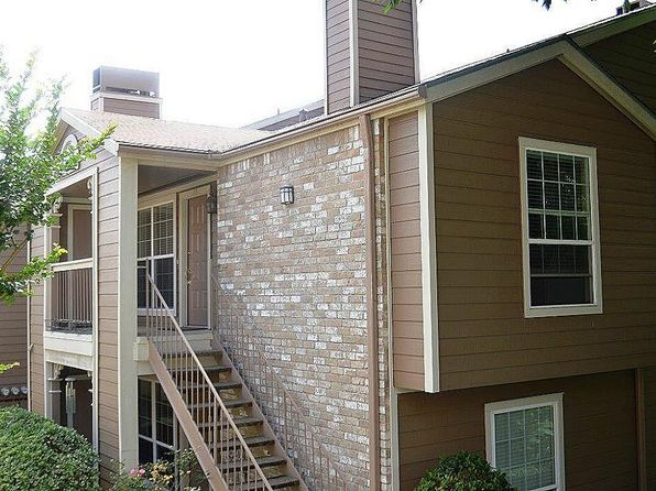 2 bed 2 bath Townhouse at 1880 White Oak Dr Houston, TX, 77009 is for sale at 185k - 1 of 12