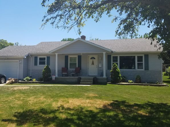 3 bed 2 bath Single Family at 425 E 7th St Minonk, IL, 61760 is for sale at 134k - 1 of 67