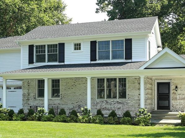 5 bed 5 bath Single Family at 984 Esplanade Pelham, NY, 10803 is for sale at 1.98m - 1 of 29