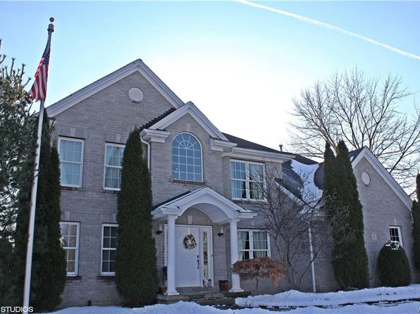 5 bed 3 bath Single Family at 11 Ambrose Ct Amherst, NY, 14228 is for sale at 450k - 1 of 20