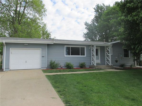 3 bed 2 bath Single Family at 1204 University St Pella, IA, 50219 is for sale at 163k - 1 of 17