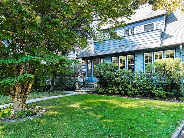 4 bed 3 bath Single Family at 18 Wildwood Rd Larchmont, NY, 10538 is for sale at 1.05m - 1 of 28