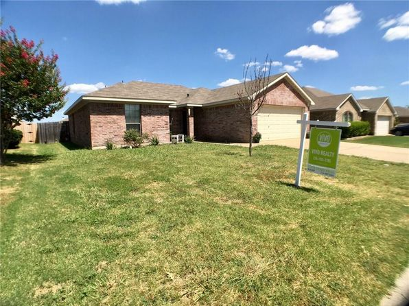 3 bed 2 bath Single Family at 117 Breanna Way Waxahachie, TX, 75165 is for sale at 154k - 1 of 16