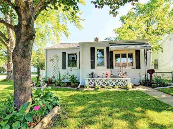 2 bed 1 bath Single Family at 1282 Desnoyers St Green Bay, WI, 54303 is for sale at 98k - 1 of 30