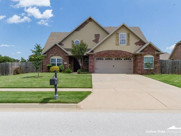 4 bed 3 bath Single Family at 1874 S DORAL DR FAYETTEVILLE, AR, 72701 is for sale at 272k - 1 of 30