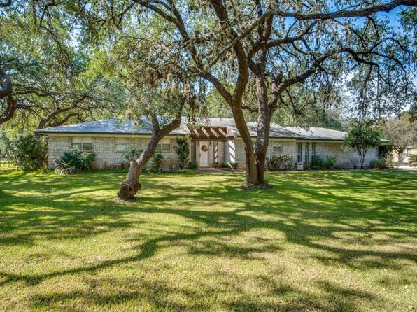 3 bed 2 bath Single Family at 109 Live Oak Dr Pleasanton, TX, 78064 is for sale at 269k - 1 of 25