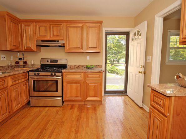 3 bed 1 bath Single Family at 1389 Saint Nicholas Blvd Plainfield, NJ, 07062 is for sale at 199k - 1 of 7