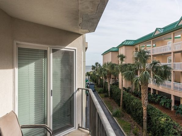 2 bed 2 bath Townhouse at 1440 Ocean Blvd St Simons Island, GA, 31522 is for sale at 449k - 1 of 7