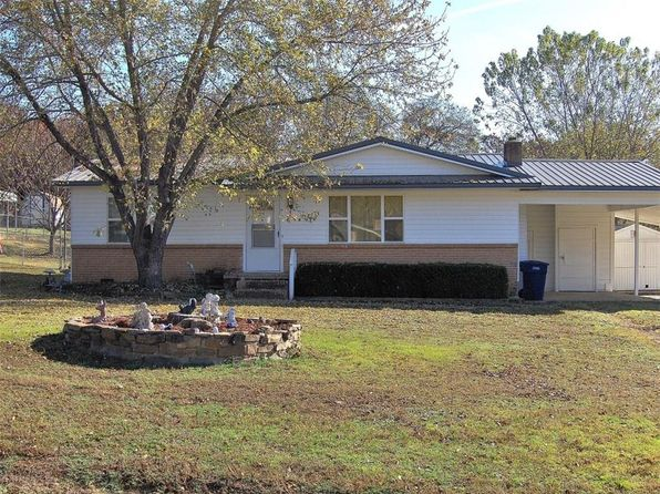2 bed 1 bath Single Family at 701 Suzanne St Muldrow, OK, 74948 is for sale at 70k - 1 of 20