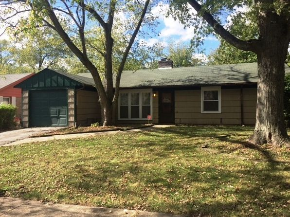 4 bed 1 bath Single Family at 318 Manitowac St Park Forest, IL, 60466 is for sale at 60k - 1 of 15