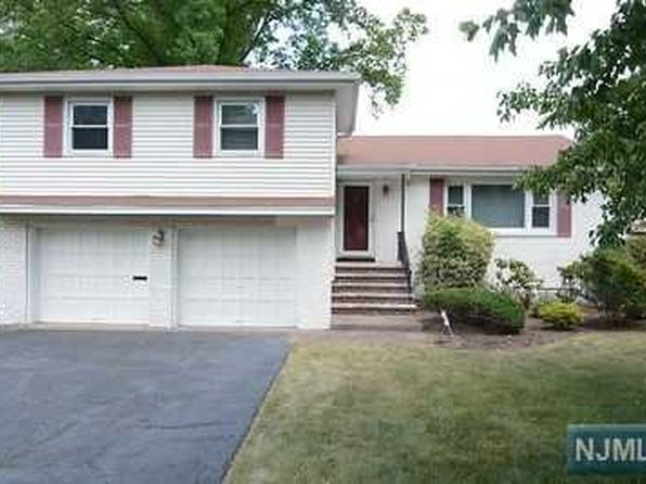4 bed 3 bath Single Family at 4-27 Eugene St Fair Lawn, NJ, 07410 is for sale at 569k - 1 of 18