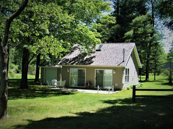 2 bed 1 bath Single Family at 5092 Lake Dr Grand Junction, MI, 49056 is for sale at 165k - 1 of 34