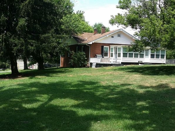 2 bed 1 bath Single Family at 145 Ernest Rogers Rd Clyde, NC, 28721 is for sale at 168k - 1 of 21