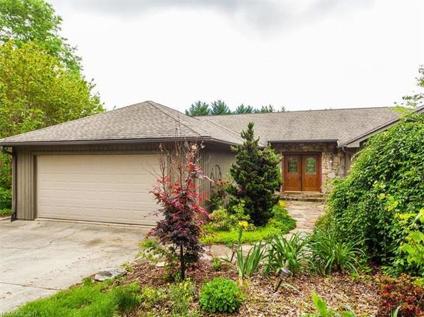 3 bed 3 bath Single Family at 11 Bannerwood Dr Horse Shoe, NC, 28742 is for sale at 419k - 1 of 21
