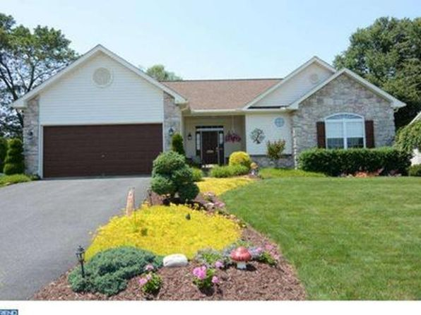 3 bed 2 bath Single Family at 2516 Goddard Ave Sinking Spring, PA, 19608 is for sale at 275k - 1 of 34