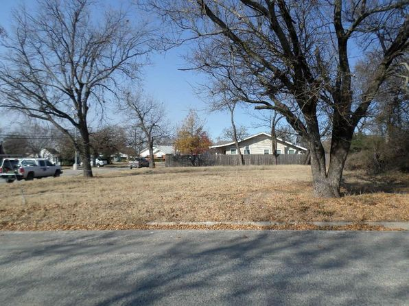 null bed null bath Vacant Land at 300 Sanders St Bowie, TX, 76230 is for sale at 13k - 1 of 2