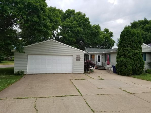 2 bed 1 bath Mobile / Manufactured at 942 W Iowa St Lake City, MN, 55041 is for sale at 49k - 1 of 4