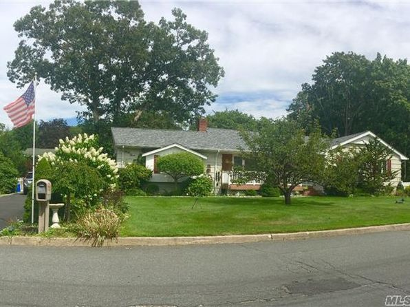 3 bed 3 bath Single Family at 43 Bauss Rd Nesconset, NY, 11767 is for sale at 459k - 1 of 6