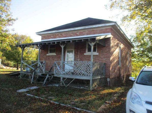 3 bed 1 bath Single Family at 13126 Dover Hill Rd Loogootee, IN, 47553 is for sale at 79k - 1 of 3