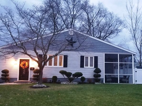 3 bed 2 bath Single Family at 4 David St Hazlet, NJ, 07730 is for sale at 395k - 1 of 44