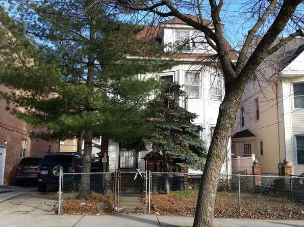 7 bed 2 bath Multi Family at 9223 173rd St Jamaica, NY, 11433 is for sale at 649k - google static map