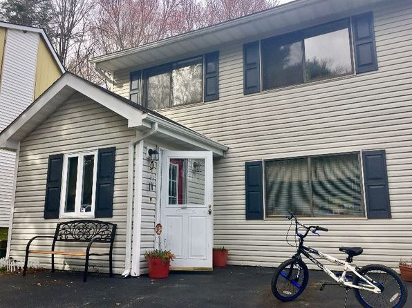 3 bed 2 bath Townhouse at 37 Elizabeth Way Monticello, NY, 12701 is for sale at 90k - 1 of 12