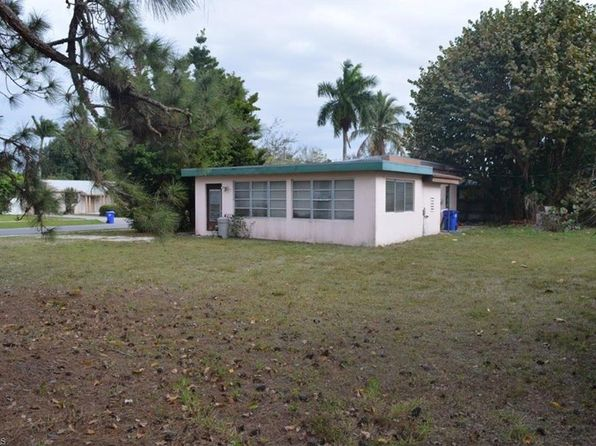 3 bed 1 bath Single Family at 875 10th St N Naples, FL, 34102 is for sale at 395k - 1 of 5