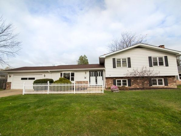 4 bed 2 bath Single Family at 28610 Lynhaven Dr North Olmsted, OH, 44070 is for sale at 150k - 1 of 23