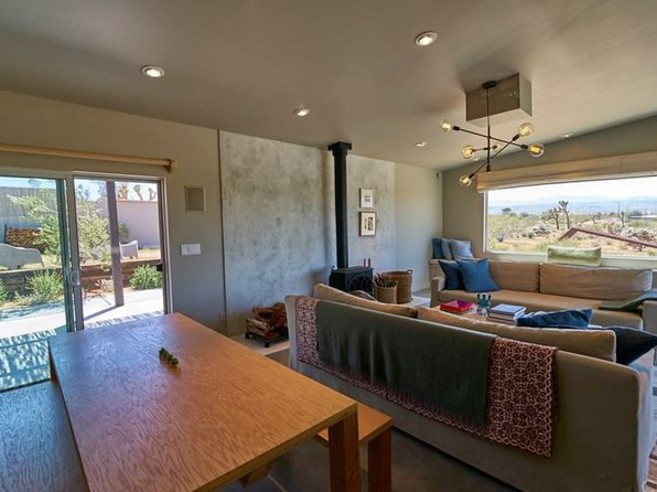 2 bed 1 bath Single Family at 978 Hilton Ave Yucca Valley, CA, 92284 is for sale at 320k - 1 of 19