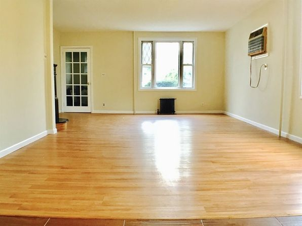 3 bed 2 bath Single Family at 11719 Nashville Blvd Jamaica, NY, 11411 is for sale at 565k - 1 of 18