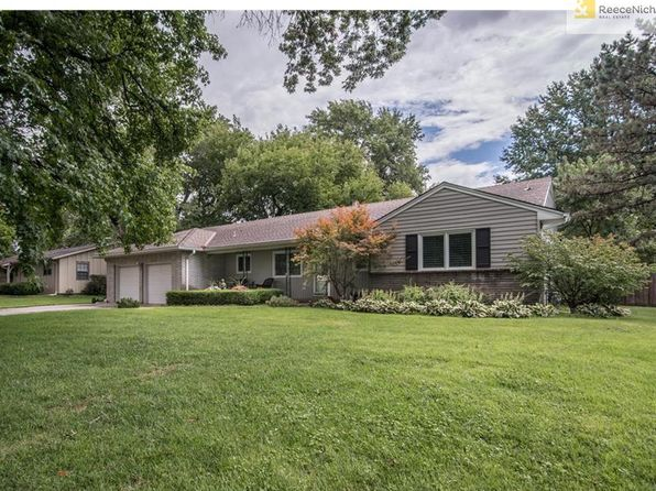 3 bed 2 bath Single Family at 6807 Broadmoor St Overland Park, KS, 66204 is for sale at 405k - 1 of 25