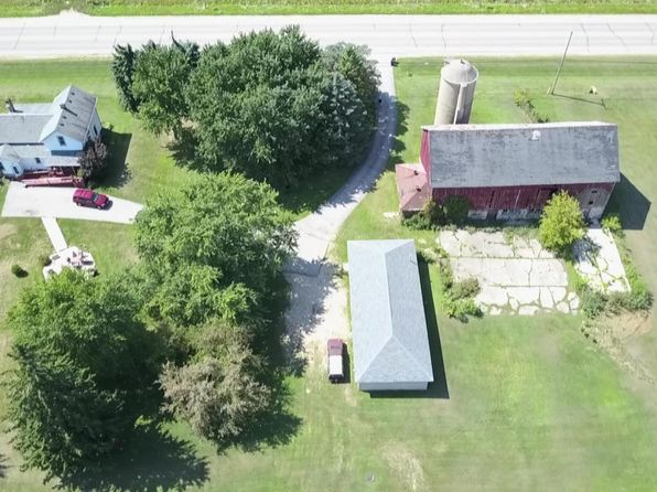 4 bed 1 bath Single Family at 1782 State Road 83 Hartford, WI, 53027 is for sale at 299k - 1 of 17